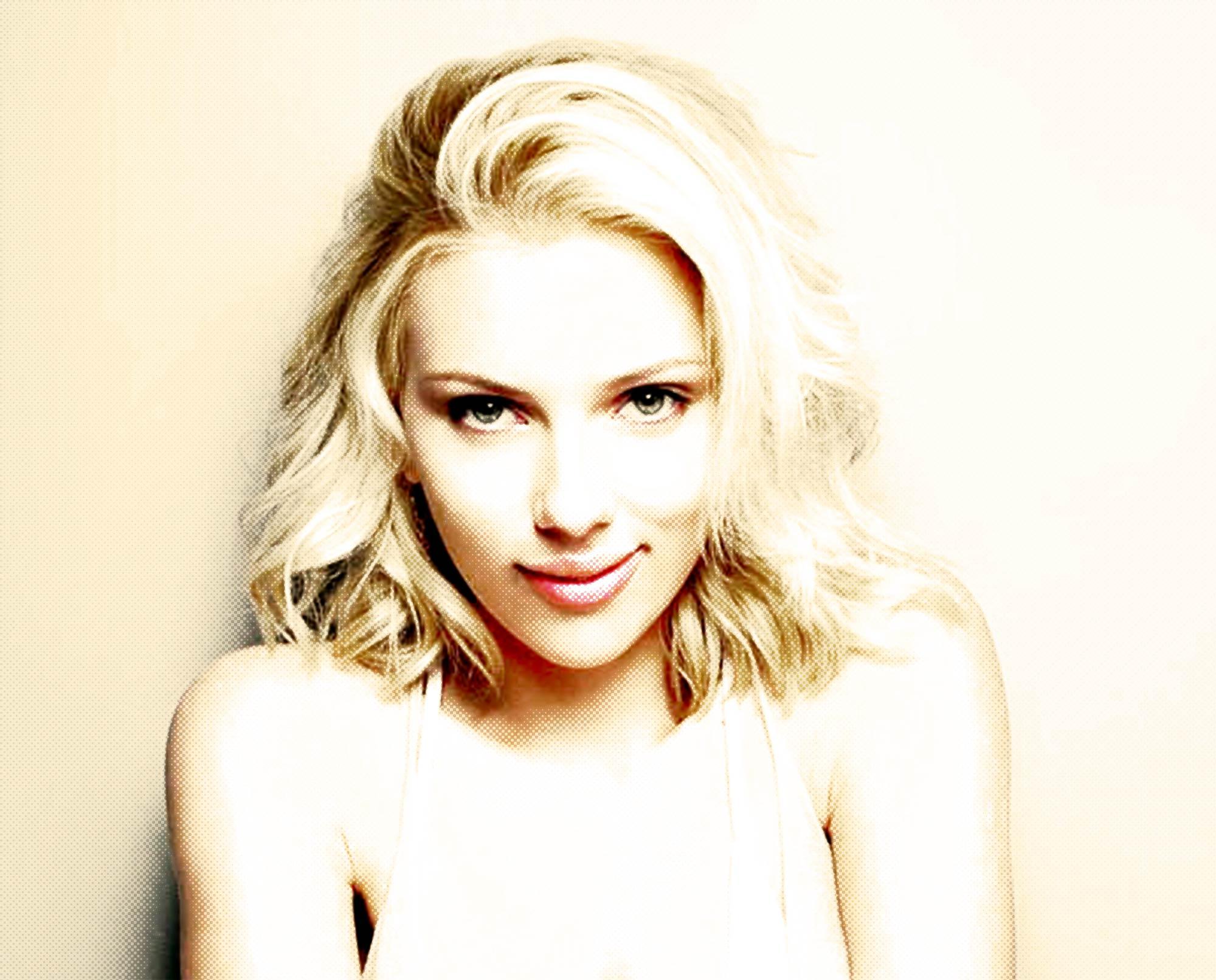 Ilustración gratis - Scarlett Johansson - mujer más sexy 2013